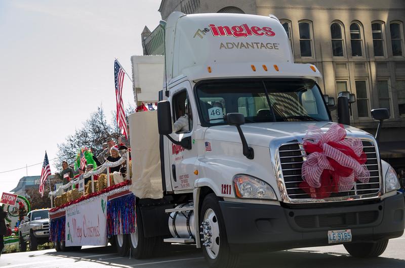 2014 Holiday Parade_22-2.jpg