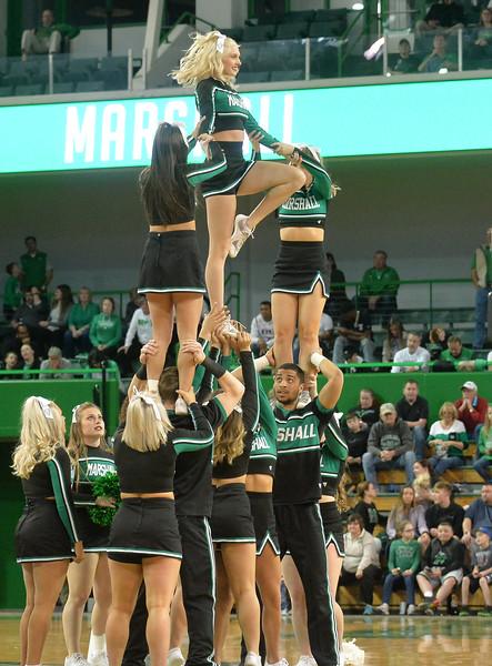 cheerleaders2758.jpg