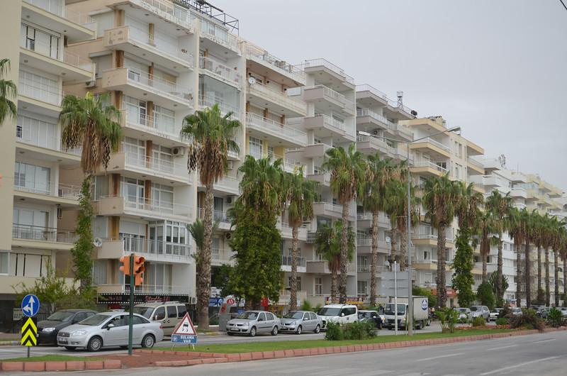 DSC_1492-apartments.JPG