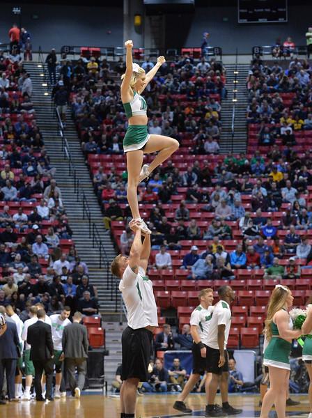 cheerleaders3996.jpg