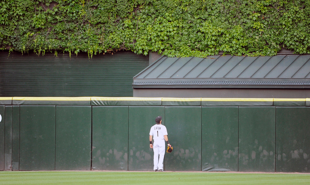 . Chicago White Sox center fielder Adam Eaton (1) watches Detroit Tigers\' Miguel Cabrera two-run home run during the fifth inning of a baseball game, Saturday, June 6, 2015, in Chicago. AP Photo/David Banks)