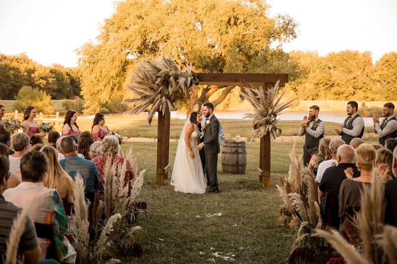 KaylaDusten-Wedding-0422-2.jpg