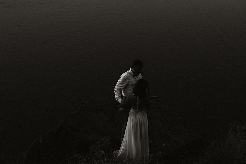 Tu-Nguyen-Destination-Wedding-Photographer-Santorini-Elopement-Alex-Diana-253.jpg