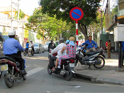 5-Motorbikes in Saigon