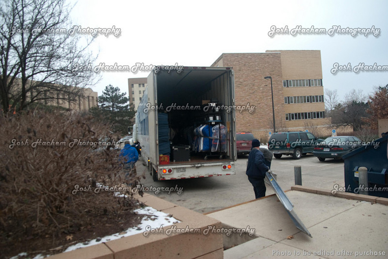 12.22.2008 Packing the Truck for Tempe (32).jpg