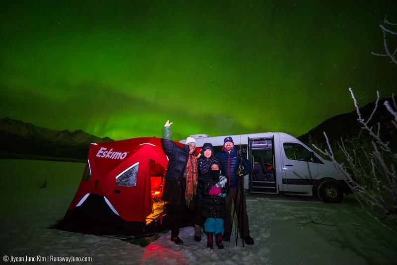 Nov20_Knik River Aurora-Juno Kim-6105242.jpg