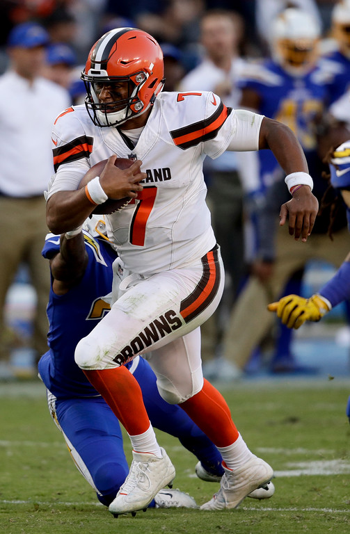 . Cleveland Browns quarterback DeShone Kizer runs against the Los Angeles Chargers during the second half of an NFL football game Sunday, Dec. 3, 2017, in Carson, Calif. (AP Photo/Jae C. Hong)