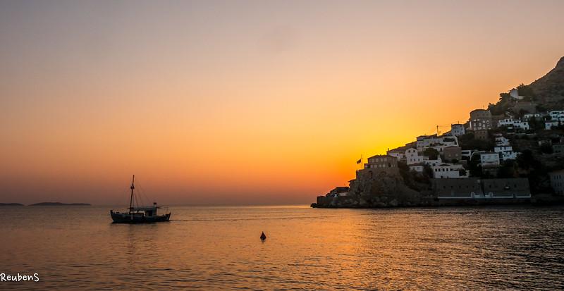 Sunrise Hydra.jpg