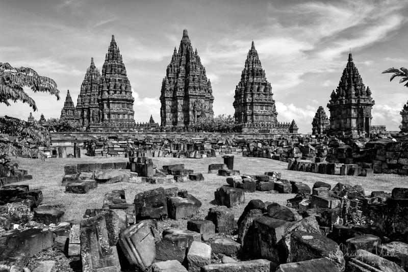 3-31-16112604 Pramsbanan Temple Yogyakarta Indonesia.jpg