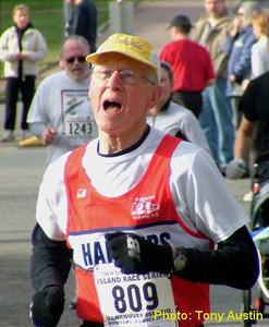 2004 Mill Bay 10K - Record-setting Jim Sargent