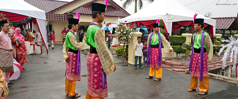 Cousin's Wedding in Muar 1  In full traditional costume, these silat performers was welcoming the wedding procession