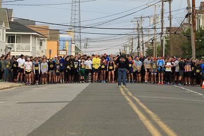 2017 Turkey Run 5 Mile Race Start