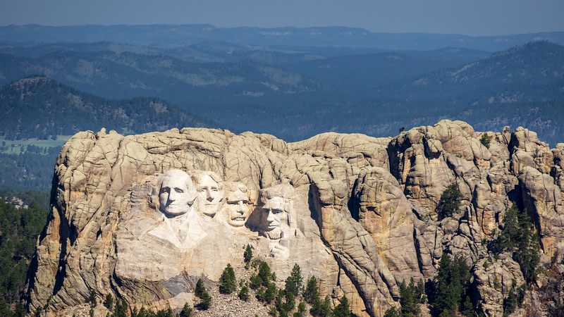 Mt Rushmore from the air -3659.jpg