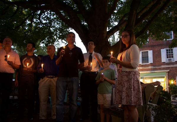 Candlelight vigil for victims of terrorism & gun violence 9-23-2016