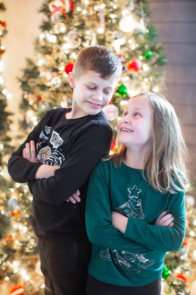 2020 PORTRAITS  |  Ryan + Jillian Holiday