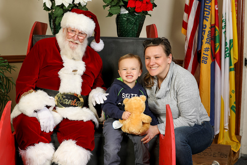 TBTP 2019 Photos with Santa-41.JPG