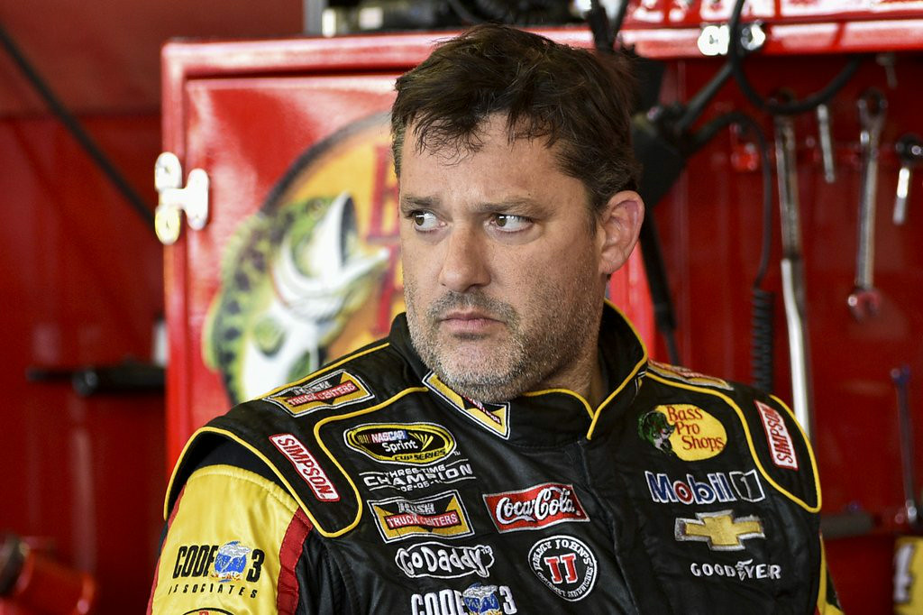 """. 6. (tie) TONY STEWART <p>Will make real sure he doesn�t run over any other drivers when he returns Sunday. (unranked) </p><p><b><a href=\""""http://www.twincities.com/breakingnews/ci_26425638/stewart-return-competition-sunday\"""" target=\""""_blank\""""> LINK </a></b> </p><p>    (AP Photo/Derik Hamilton)</p>"""