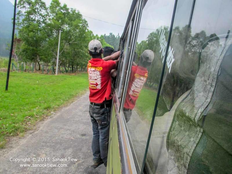 รถตู้ที่ประเทศศรีลังกา เดินทางในศรีลังกา