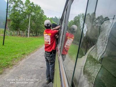 ศรีลังกา | รถตู้ที่ประเทศศรีลังกา กับ มายากลเสกคนขึ้นรถ