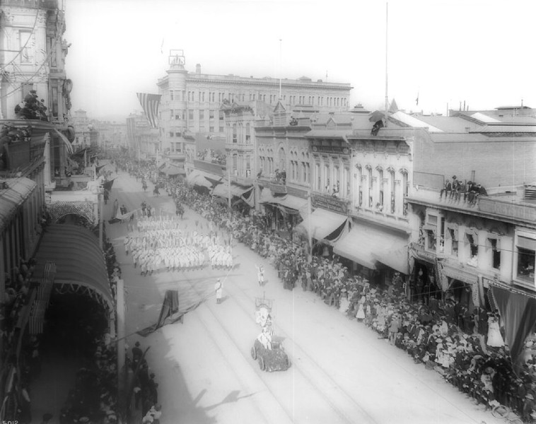 La Fiesta de Los Angeles parade, Spring Street, north from First Street, 1903