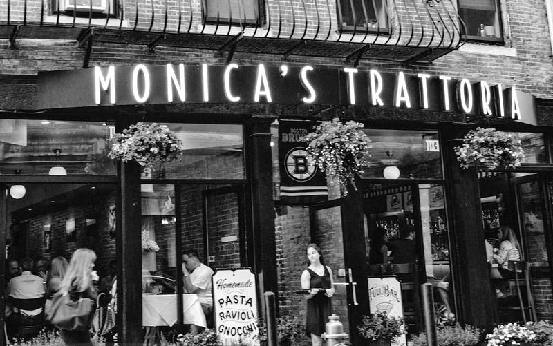 MonicasTrattoriaBW2.jpg