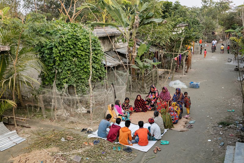 0176-0196Self care discussion with parents group members about pregnant mothers, newborn and breastfeeding conducted by Alonur, Purbo Para Village.Purbo Para Village, Dakua Union Golachepa, Potuakhali. Bangladesh.Photo Credit: b.a.sujaN / Map / WRA