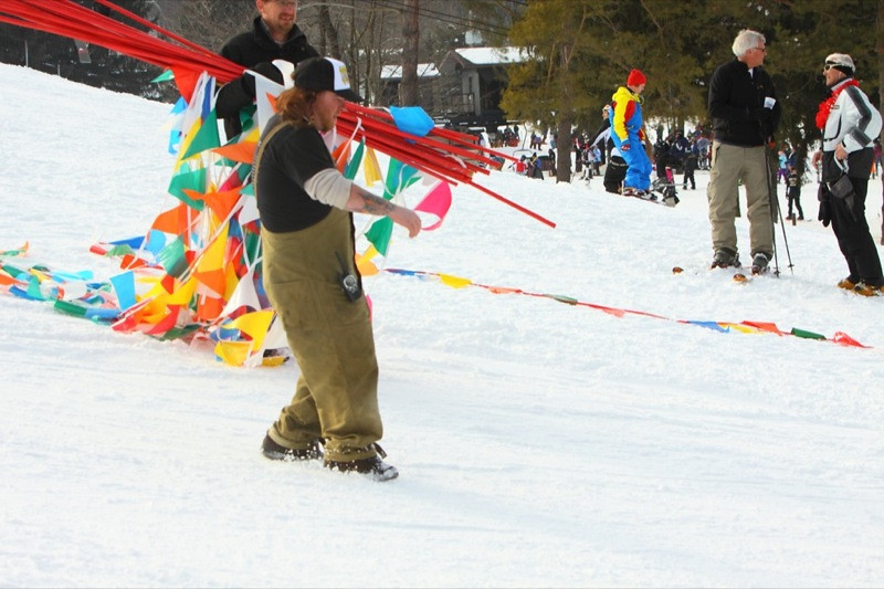 Snow_Trails_2010_J238.jpg