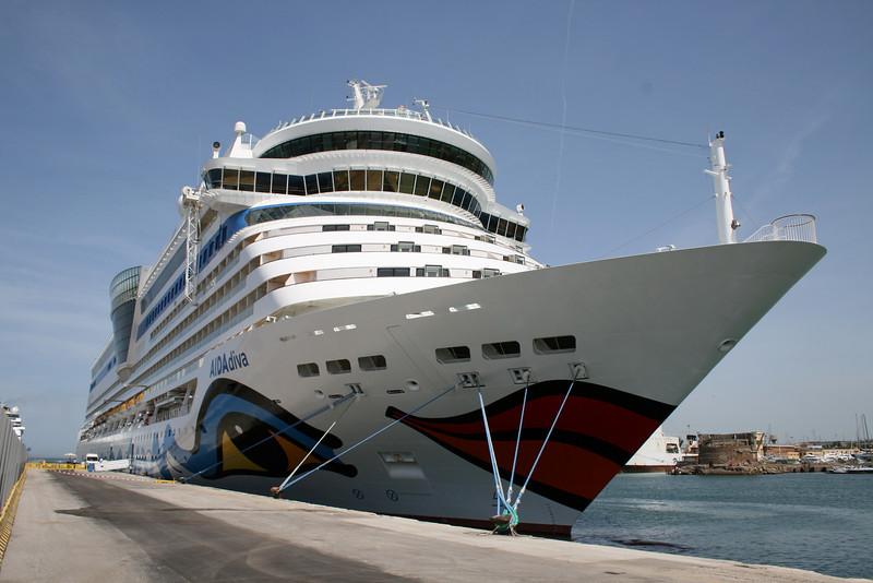 AIDA DIVA moored in Civitavecchia : the bow.