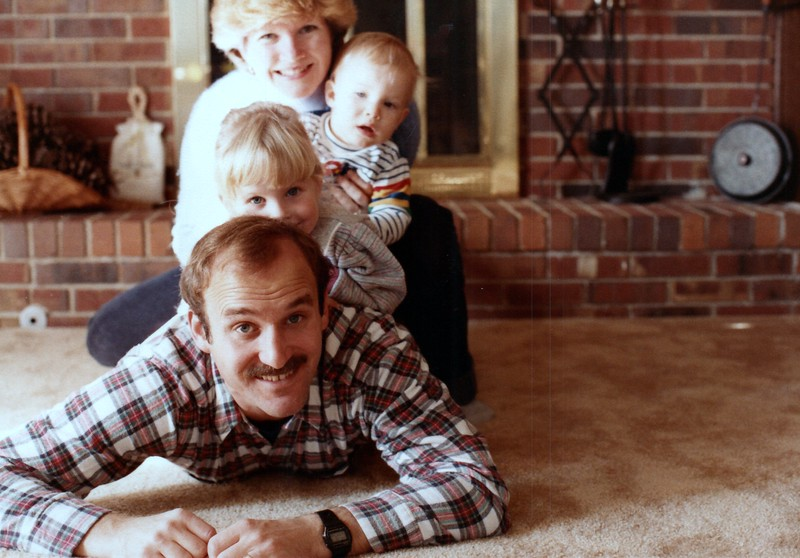 1984_November_Maren_Birthday_and_Christmas_photo__0023_a.jpg