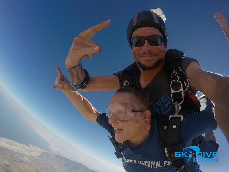 Lisa Ferguson at Skydive Utah - 36.jpg