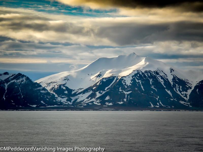 Midnight Sun Isfjorden Longyrbryn  Arctic Svalbard