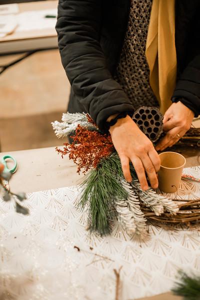 2019_12_18_wreath workshop_JE-22.jpg