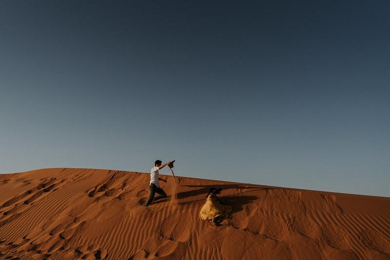 Tu-Nguyen-Destination-Wedding-Photographer-Morocco-Videographer-Sahara-Elopement-347a.jpg