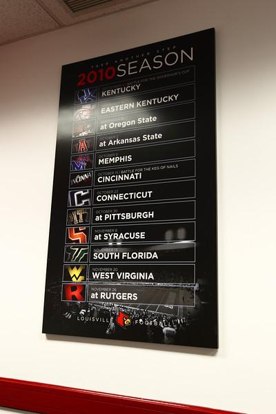 Louisville Football schedule board