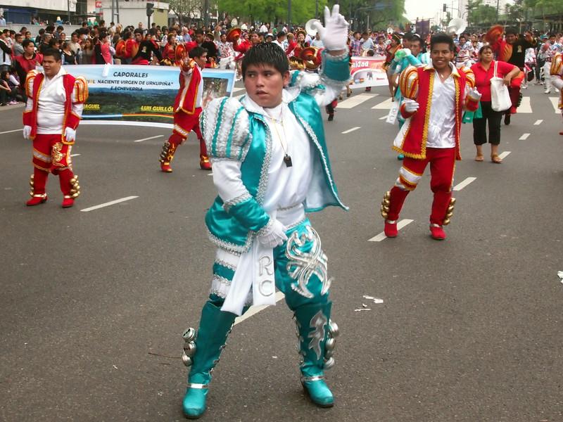 PA184370-blue-and-white-man.JPG