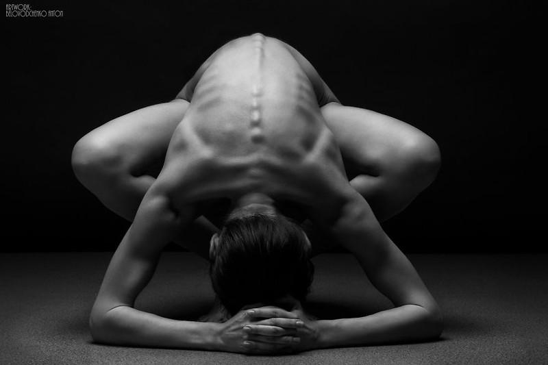 black-and-white-portraits-women-body-bodyscapes-anton-belovodchenko-111.jpg