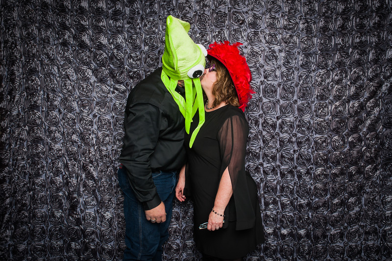 Lynn + Nancy Photobooth-162.jpg