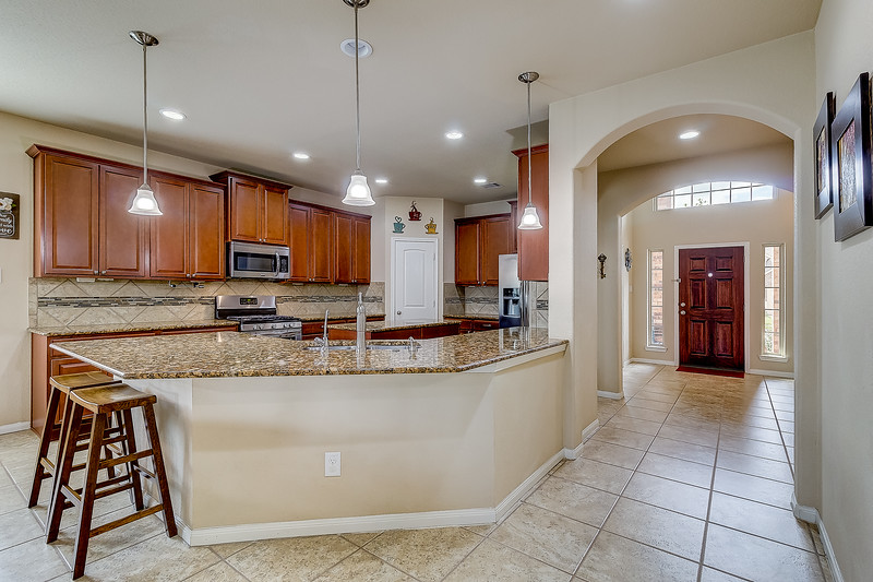 Kitchen / Entry
