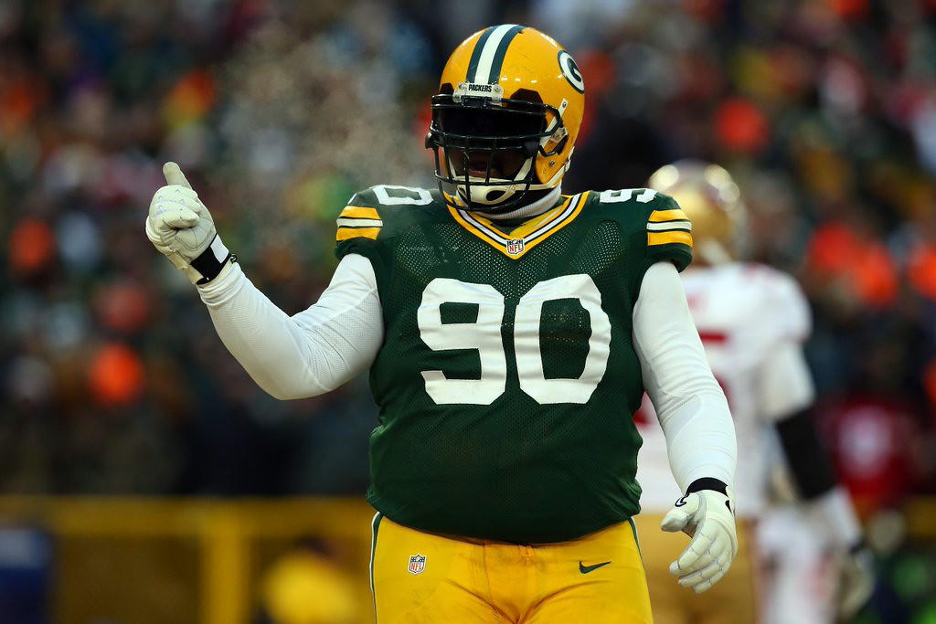 ". 9. B.J. RAJI <p>So much for that improved Packers defense ... (unranked) </p><p><b><a href=""http://www.jsonline.com/blogs/sports/272419761.html\"" target=\""_blank\""> LINK </a></b> </p><p>    (Ronald Martinez/Getty Images)</p>"