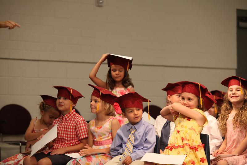 2012May18_MTA Kinder Grad_9767.JPG