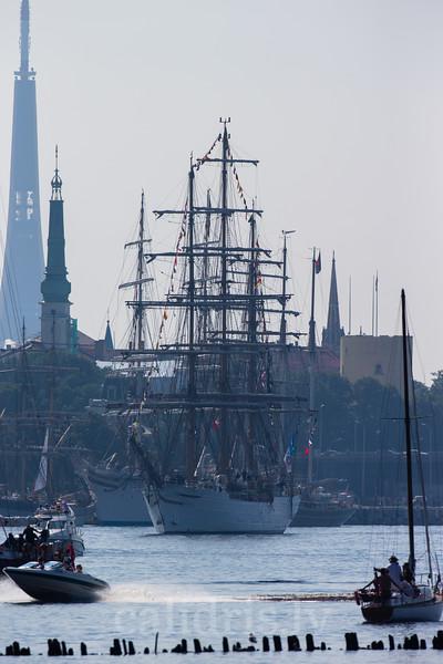 Cisne Branco of Brazilian Navy leaves Riga in Tall Ships Race 2013