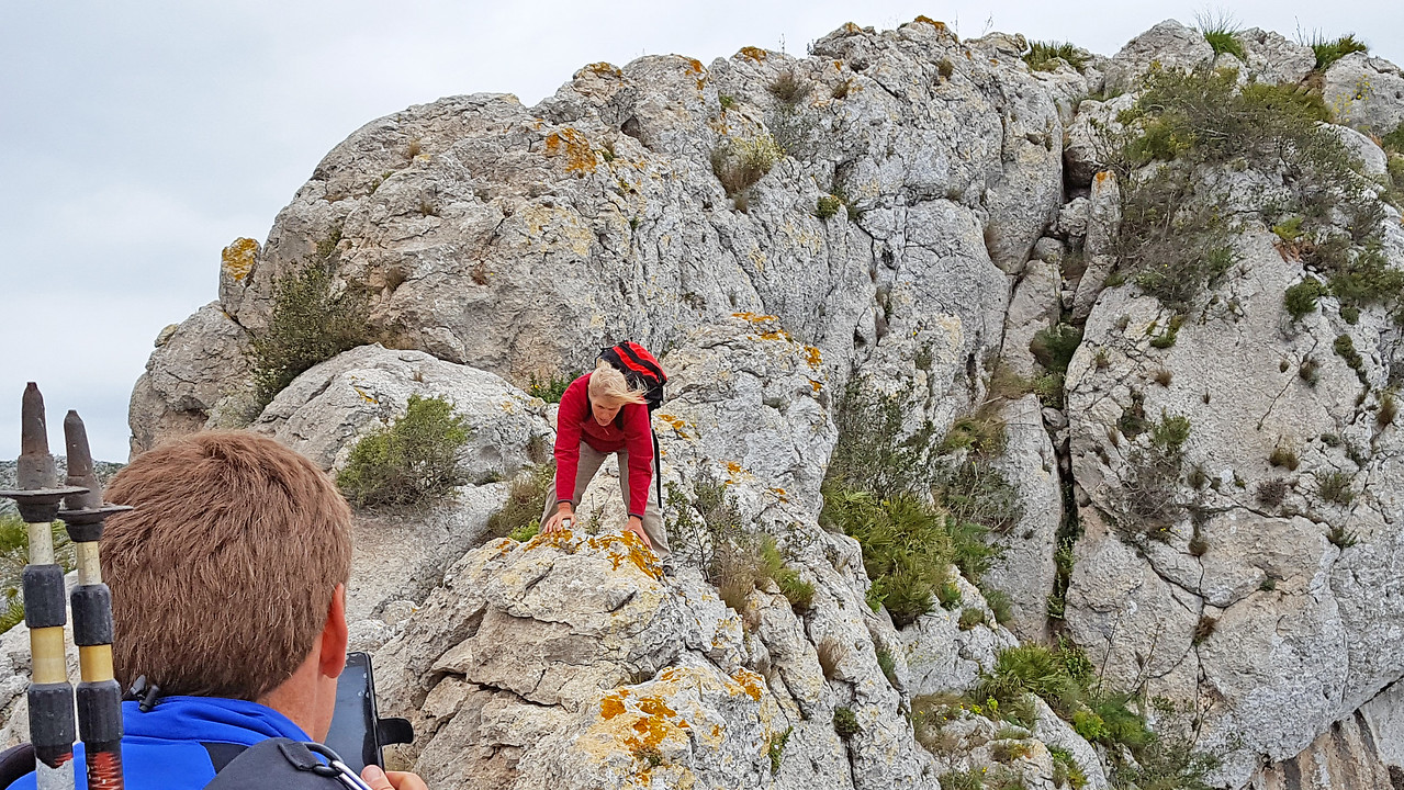 The precarious return along the Segaria east ridge knife edge in cold winds