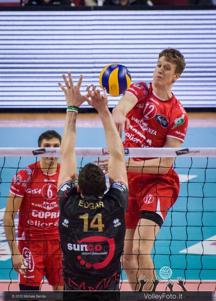 HOLT Maxwell Philip (Piacenza) attacca contro Edgar Thomas (Perugia)