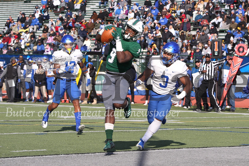 Slippery Rock wide receiver Jermaine Wynn Jr. hauls in a first quarter touchdown catch in Slippery Rock's 65-59 playoff win over Notre Dame Ohio Saturday at home. Seb Foltz/Butler Eagle