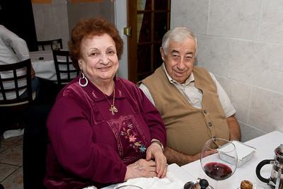 2008-9-10 Lillian Aaron Jennifer @ Biagio's - Up