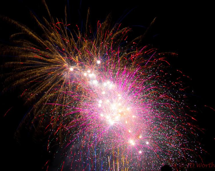 070417 Luray VA Downtown Fireworks - Finale Smorgasborg-0938.jpg