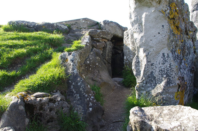 West Kennett Long Barrow (England)