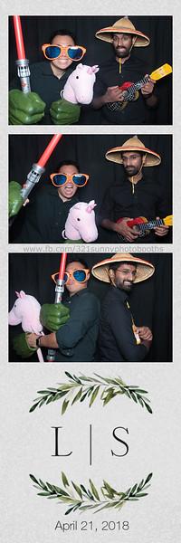 ELP0421 Lauren & Stephen wedding photobooth 1.jpg