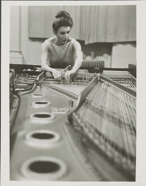Lucy Timbre Piano.jpg