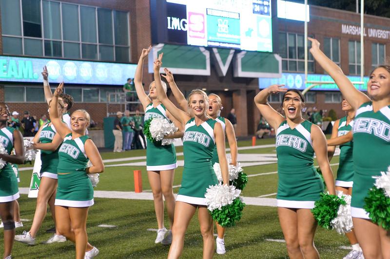 cheerleaders2608.jpg